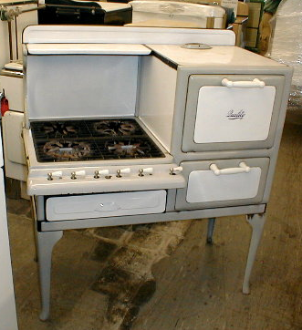 1927 Quality Gas Stove