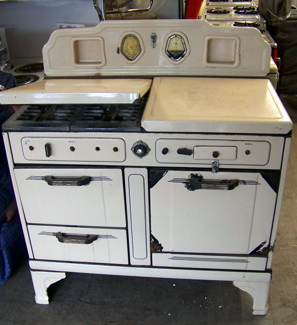 1936 O'Keefe and Merrit Gas Stove