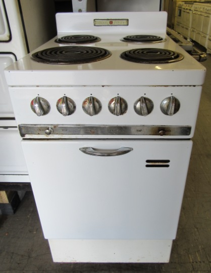 1941 GE Apartment Size Stove