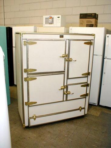1925 Seeger Icebox