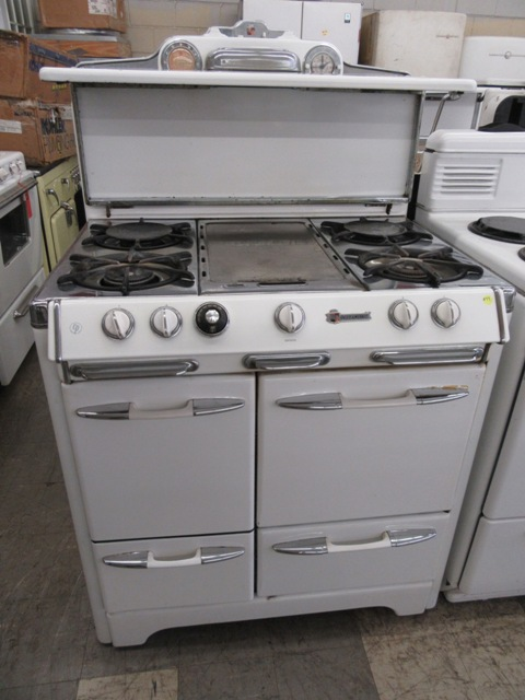 1952 O`Keefe & Merritt 36in Gas Stove