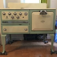 1932 Universal Electric Stove
