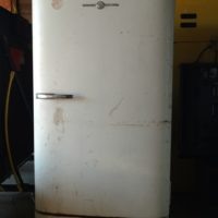 Vintage 1940s General Electric Refrigerator For Sale
