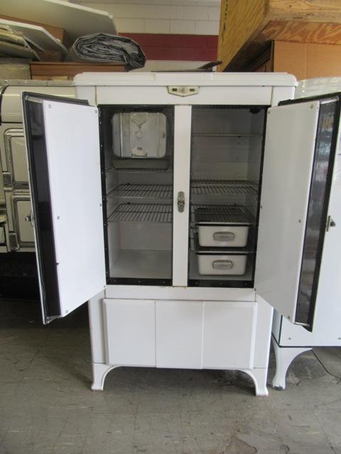 1933 Frigidaire Super 123 Antique Appliances