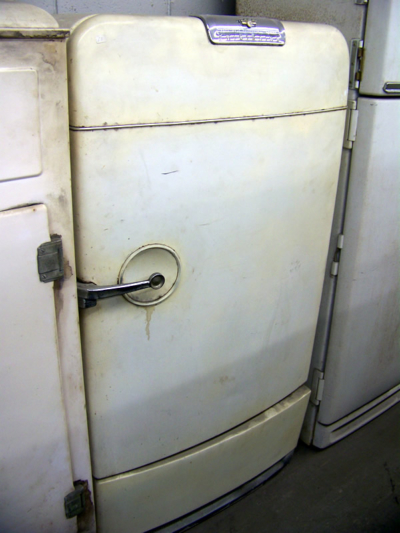 1950 Frigidaire Antique Appliances