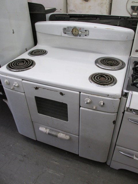 1955 Tappan Deluxe Electric