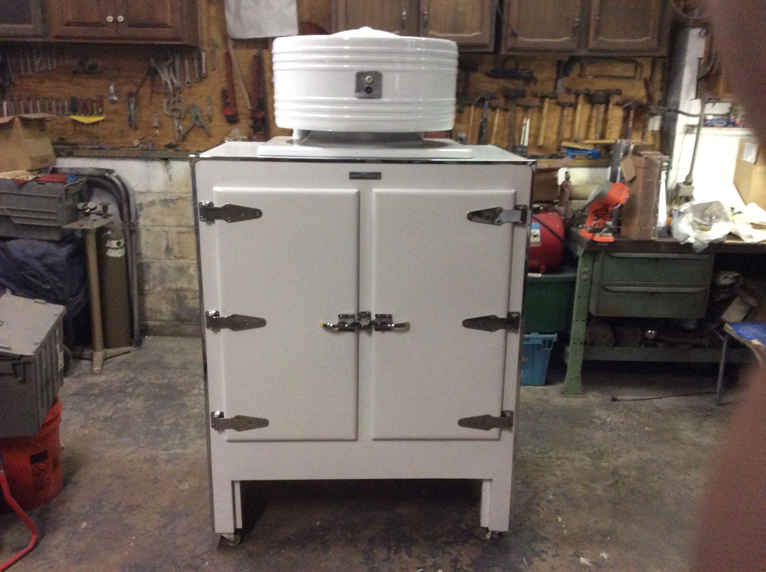 General Electric antique refrigerator/ freezer   from 30's / 40's  professionally restored working